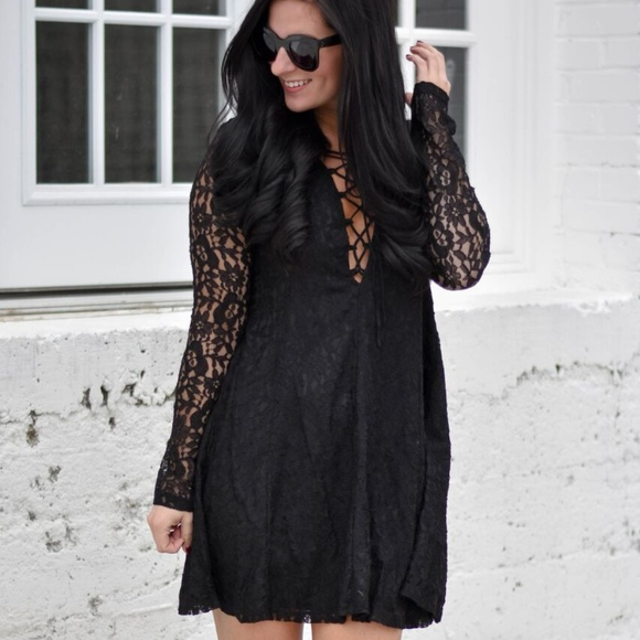 The Impeccable Pig Dresses & Skirts - The Impeccable Pig black lace long sleeve dress